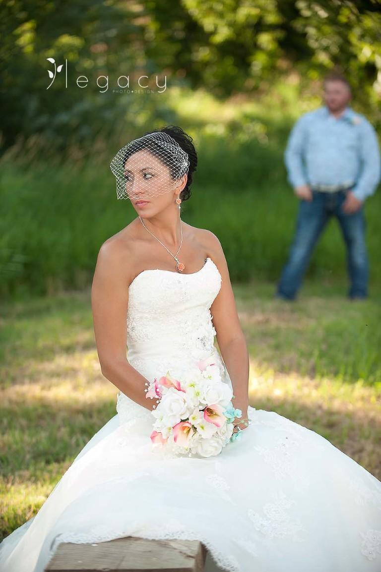 Travis and Ashley {South Dakota Wedding Photography} • legacytheblog.com