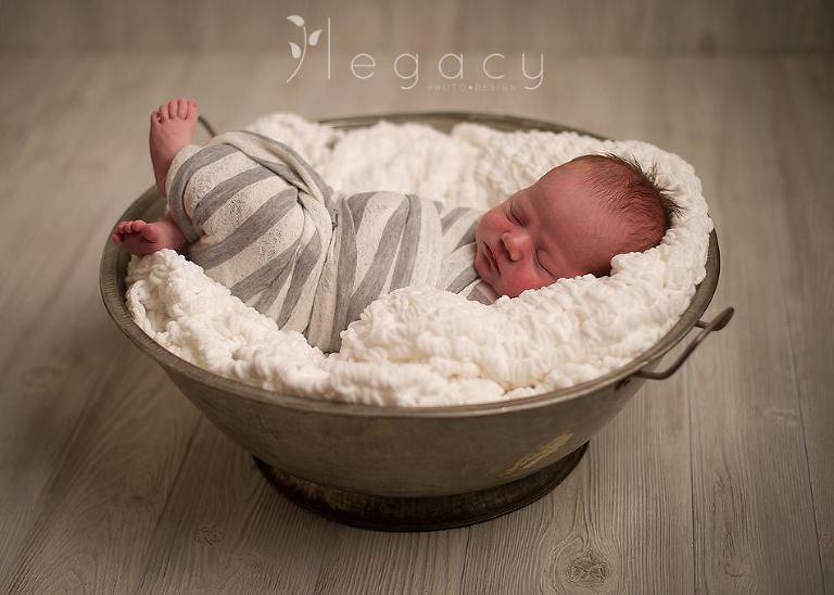 Newborn Photography | legacytheblog.com » Photography blog of Amy Oyler, Legacy Photo and Design Rapid City SD